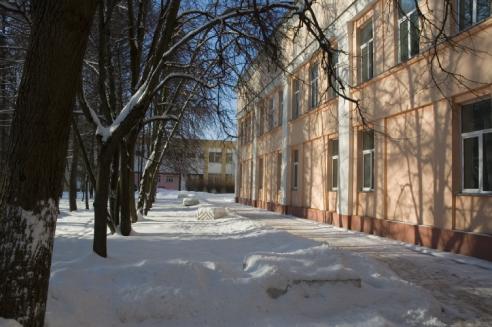 главный корпус зимой фото